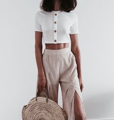 This weekly addition of the summer outfits guide features cute outfits for you to wear everyday. Update your wardrobe and enjoy today! Looks Street Style, Looks Style, Casual Chic Outfits, Fall Outfits, Jean Outfits, Hipster Outfits, Night Outfits, Look Fashion, Fashion Outfits