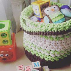 Все началось с корзины для игрушек... <><><><><><><><><><><><> #вязание #вязаниекрючком #вяжукрючком #трикотажнаяпряжа #изтрикотажнойпряжи #moo_knit #knit #crochet #crochetknitting #knitting #yarn #knittedyarn #handmade #basketfortoys #knittedbasket #basket #babybasket #forbaby