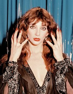 Born 1958 in Bexleyheath, Kent, English singer, songwriter, and record producer Kate Bush topped the UK Singles Chart for four weeks with he. Divas, Uk Singles Chart, Instagram Baddie, Instagram Nails, Female Singers, Celebs, Celebrities, Record Producer, Alfred Hitchcock