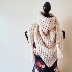 Triangular granny scarf