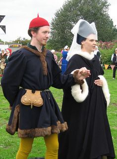 Danse-de-Cleves 15th century noble couple.