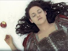 Veja making of exclusivo de 'Branca de Neve', com Kristen Stewart