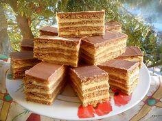 Érdekel a receptje? Kattints a képre! Salty Snacks, Yummy Snacks, Delicious Desserts, Poppy Cake, Cookie Recipes, Dessert Recipes, Hungarian Recipes, Sweet And Salty, Winter Food