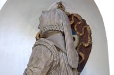 Monument to Anne Radclif, marble, traces of polychromy, London, St Olave Hart Street Historical Hairstyles, Renaissance Gown, Head Coverings, Elizabeth I, Effigy, Dark Ages, Historical Clothing, Headgear, 16th Century