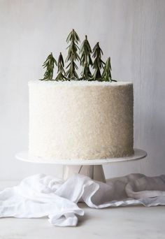 white cake w Rosemar