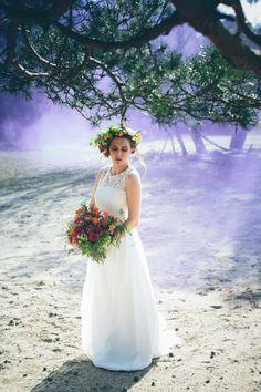 Dramatic bridal portrait | Moody Dark & Whimsical Fantasy Birds of Prey Wedding Ideas via @whimwondwed, pics by Leentje loves Light