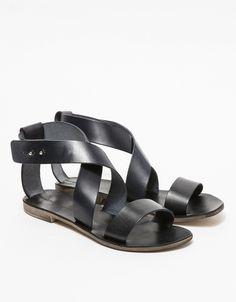 Rive Sandal in Black
