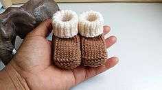 Baby Knitting Patterns Prisca's Baby Booties Baby Booties Knitting Pattern, Crochet Baby Booties, Baby Knitting Patterns, Knitting Socks, Baby Patterns, Crochet Patterns, Free Knitting, Knit Baby Shoes, Doll Patterns