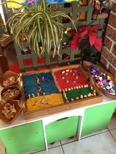 Play dough tray area at Puzzles Family Day Care Play Based Learning, Learning Through Play, Early Learning, Sensory Activities, Sensory Play, Activities For Kids, Reggio Classroom, Outdoor Classroom, Emergent Curriculum