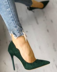 Women High Heels Crystal Sandals Rose Gold Slides Designer Stilettos W – kiwifruittal Stilettos, Stiletto Pumps, Pointed Toe Heels, Nude Pumps, Cute Shoes, Me Too Shoes, Frauen In High Heels, Popular Shoes, Spring Shoes