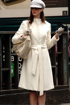 *The Devil Wears Prada* Fashion: Get Andy Sachs's Best Looks Prada Outfits, Hot Outfits, Stylish Outfits, Look Fashion, 90s Fashion, Winter Fashion, Fashion Outfits, Vogue Fashion, Andy Sachs