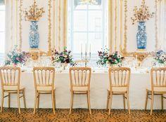 Imperiales Flair dank Gold & Weiß, einem Hauch Pink und allerlei Raffinesse: FÖHR Mietmöbel durfte die Princess Charming Hochzeit ausstatten
