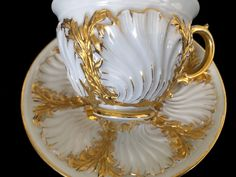 Rare Large Antique meissen porcelain Rococo Heavy Gold Shell Cup Very Beautiful