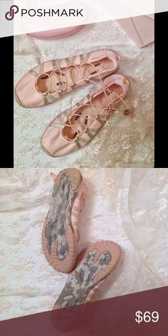JAMBU AMPHIBIAN sports ballerinas flat shoes  10M Fit to cross oceans, or desserts, these fantastic Sport Shoes Will take you wherever you want to go. On a soft ballerina nude pink, and with rugged outsole, don't be fooled, they may be sweet, but they are strong, and adaptable. All terrains for a limitless life. By JAMBU. In perfect shape, new. Bundle to save 20%. Happy poshing. Jambu Shoes Sneakers