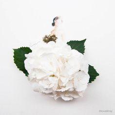 """Dans la lignée de """"Fashion in Leaf – Les robes en feuilles d'arbres"""", voici les créations de l'artiste Lim Zhi Wei, aka Lovelimzy, basée à Singapour,"""