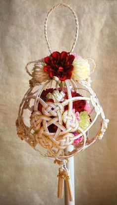 Japanese wedding bouquet with Mizuhiki ribbons Wedding Bouquets, Wedding Flowers, Japanese New Year, Japanese Wedding, Style Japonais, New Years Decorations, How To Preserve Flowers, Ball Jointed Dolls, Artificial Flowers