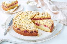 Apple cinnamon crumble meets moist raspberry tea cake in this delightful afternoon tea or dessert. Raspberry Crumble, Raspberry Tea, Bake Sale Recipes, Cake Recipes, Tea Recipes, Sweet Recipes, Baking Recipes, Cinnamon Crumble, Pastries