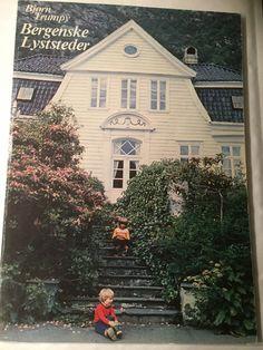 """""""Bergenske lyststeder"""" av Bjørn Trumpy (ISBN: 9788290052169 / 8290052162) Ads, Painting, Porto, Pictures, Painting Art, Paintings, Painted Canvas, Drawings"""