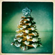 3D Christmas tree biscuit stack. Make with festive mint choc chip shortbread. Or chocolate orange shortbread. Gingerbread biscuits.