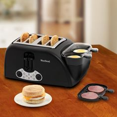 Egg and Muffin Toaster http://www.lovedesigncreate.com/west-bend-tem4500w-egg-and-muffin-toaster/