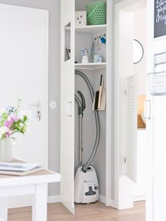 This is like a closet without building a big one in. It seems to be mostly a door hinged to the wall and a trim stopper. Ingenious. Tips for small hallway organisation - wohnidee