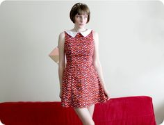 I just found this fellow Aussie bird's blog Bernie&I, me likee!  60s A-line dress with self-drafted collar (Modified Butterick 5607)