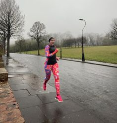 London, Running, Pants, Fashion, Trouser Pants, Moda, Fashion Styles, Keep Running, Why I Run
