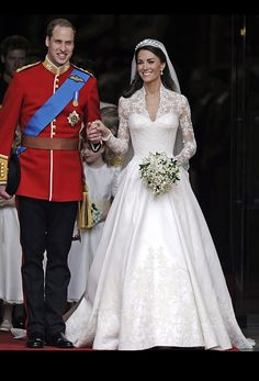 "2011 Catherine ""Kate"" of the UK wedding gown @weddingchicks"