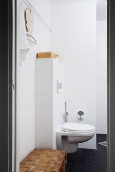 Love this bathroom from Varpunen . Love the tiles on the floor and the wooden details. Bathroom Photos, Diy Bathroom Decor, White Bathroom, Bathroom Interior Design, Bathroom Storage, Bathroom Ideas, Bathroom Styling, Bathroom Designs, Modern Bathroom