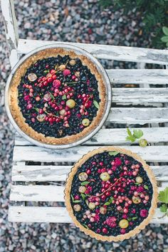 Wild Berry, Almond & Oat Tart / Green Kitchen Stories