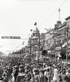 New Orleans circa 1907. The Rex pageant, Mardi Gras.