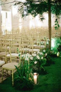 Now this is how you create a garden wedding indoors! Photo: Catherine Mead via Style Me Pretty