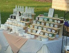 soap display at a craft fair (Diy Soap Display) Diy Soap Display, Market Stall Display, Farmers Market Display, Vendor Displays, Craft Booth Displays, Market Displays, Pop Display, Candle Display Ideas, Display Stands