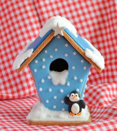 Advent 10: Winters gingerbread house - Laura's Bakery