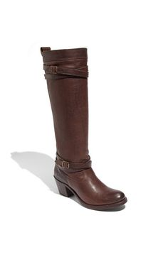 Frye boots. Luv.