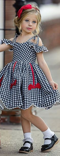 Baby Robes – Baby and Toddler Clothing and Accesories Baby Girl Dress Patterns, Little Girl Dresses, Girls Dresses, Little Girl Fashion, Kids Fashion, Kids Gown, Baby Frocks Designs, Kids Frocks, Toddler Dress