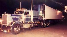 Custom Peterbilt, Peterbilt 359, Peterbilt Trucks, Cool Trucks, Big Trucks, Semi Trucks, Rigs, Trailers, Boxes