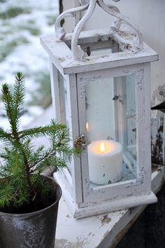 Candle burning outside on Christmas Day!!
