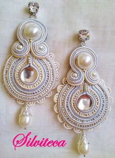 Beige, silver and pearl gray soutache earrings with guipure lace for Eva . Soutache Earrings, Pearl Earrings, Drop Earrings, Quilling Jewelry, Pearl Grey, Button Crafts, Shibori, Earrings Handmade, Lace