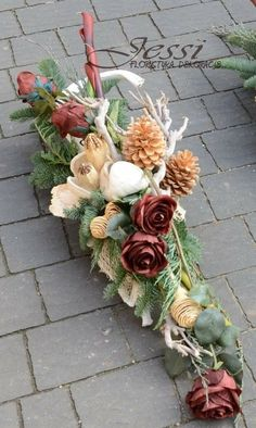 Door Swag Grave Flowers, Cemetery Flowers, Funeral Flowers, Silk Flowers, Dried Flowers, Blossoms Florist, Cemetery Decorations, Garden Workshops, Dried Flower Arrangements