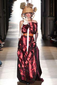 Vivienne Westwood Spring/Summer 2015 Ready-To-Wear Collection | British Vogue