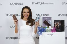 Paula Echevarría lo apuesta todo al blanco en la última presentación de Samsung
