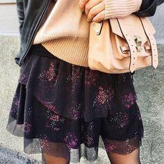 "264 likerklikk, 1 kommentarer – GESTUZ (@gestuz) på Instagram: ""'Mesha' chiffon skirt View more 'Mesha' printed styles from link in bio #gestuz @idacamilla"""