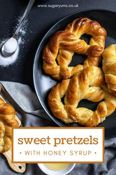 Buttery and flaky sweet pretzels made with butter and soaked in sugar syrup. These pretzels are incredibly soft and easy to make! www.sugaryums.co.uk Fall Recipes, Delicious Recipes, Yummy Food, Cinnamon Sugar Pretzels, Baking Recipes, Dessert Recipes, Pretzel Bun, Most Popular Desserts, Honey Syrup