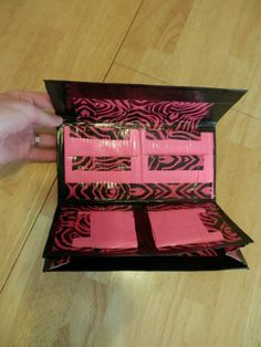Duct Tape Crafts Instructions | Make a Duct Tape Wallet in 5 Steps: Tutorial