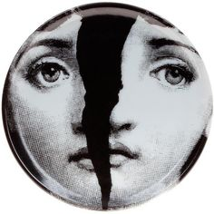 Fornasetti face print coaster (1.115 ARS) ❤ liked on Polyvore featuring home, home decor, wall art, art, fillers, backgrounds, items, white, white wall art and black and white wall art