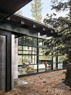 A Contemporary Woodland Truckee Retreat Near Lake Tahoe | LuxeSource | Luxe Magazine - The Luxury Home Redefined