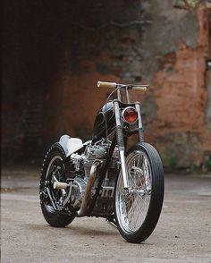 Bobber Inspiration - Bobbers and Custom Motorcycles Motos Bobber, Bobber Bikes, Cool Motorcycles, Vintage Motorcycles, Triumph Motorcycles, Custom Bobber, Custom Choppers, Custom Harleys, Custom Bikes