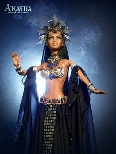 Yesterday I had the INCREDIBLE opportunity of posting the first images of the stunning Akasha OOAK Barbie Doll created by Davvid Bocci of Refugio Rosa with the Pretty Dolls, Beautiful Dolls, Vampiro Lestat, Vampires, Afro, Queen Of The Damned, Barbie Fashionista, Black Barbie, Barbie Dress