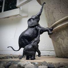 Original Animal Sculpture by Jonathan Parkinson African Elephant, African Animals, Elephant Elephant, African Sculptures, Animal Sculptures, Abstract Sculpture, Bronze Sculpture, Mother And Baby Elephant, Original Paintings
